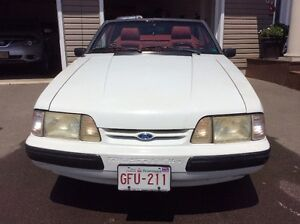 1989 Ford Mustang Convertible 5.0 - 92000 kms