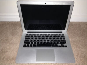 Silver MacBook Air (13 inch, Mid 2012) Laptop