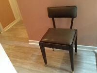 Chair on wheels with secret compartment
