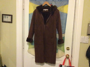 Girls Winter coat, brown, size S, fake lamskin, washable