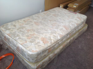 Single mattress with box and metal stand