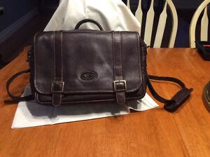 1 genuine leather satchel - Puro Cuero