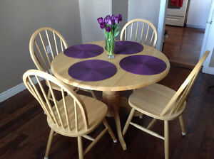 Beautiful Solid Pine Dining Room Set