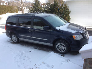 2012 Chrysler Town & Country **DUAL DVD**NAVIGATION**