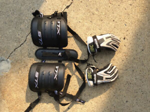 Lacrosse gloves and kidney protector