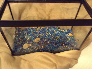 Fish tank with decoration sand large