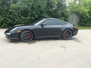 2012 Porsche 911 Coupe (2 door)