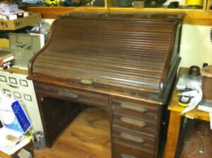 Vintage roll-top desk - early 20th century?