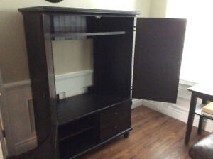 Computer desk and matching hutch/ entertainment centre