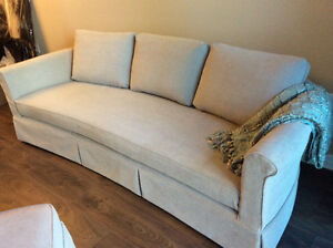 Accent Upholstery and Slipcovers London Ontario image 1