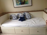 IKEA Hemnes Day Bed with X2 mattresses