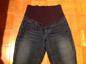 Jeans de maternité Thyme taille médium. Saguenay Saguenay-Lac-Saint-Jean image 1