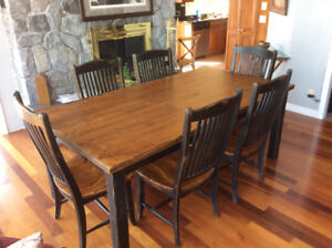 Canadel dinning room table with 6 chairs and leaf
