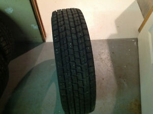 Winter tires/Pneus d'hiver 195/75/R14 92Q