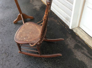 Antique rocking chair, solid, all joints tight Belleville Belleville Area image 4