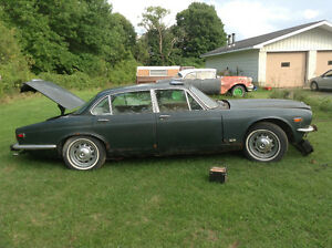 Parting out 1976 Jaguar Cornwall Ontario image 4
