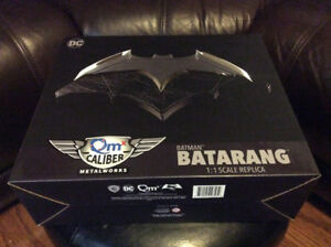 BATMAN BATARANG 1:1 SCALE PROP REPLICA BY QUANTUM MECHANIX & DC