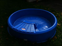 little Tikes swimming pool and Wago