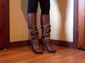 ALDO Bottes Hautes, brun taupe, Femmes Taille 37, Talon 4,5 po Québec City Québec image 2
