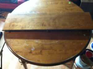 Kitchen table 30$
