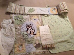 Green based 4 pieces crib set+ extra comforter fleece lined
