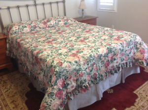 QUEEN SIZE FLORAL BED COVER with shams