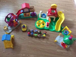 lot de jouets littles people