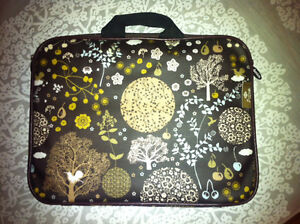 "LAPTOP SLEEVE by Danica Studio- For 13"" laptop - AS NEW!"