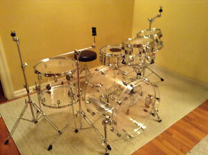 Crush acrylic drums and hardware