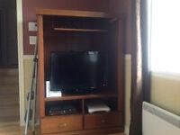 Meuble de télévision avec bibliothèque