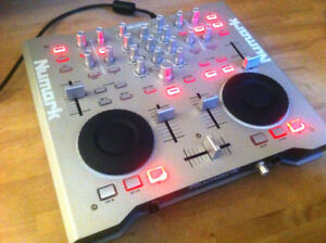 Numark Omni Control DJ Mixer with Traktor LE- Original Packaging