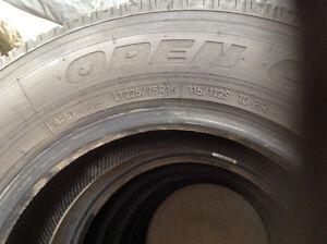 pneu toyo tres bonne etat LT225/75/R16