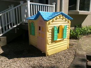 Little Tikes Cottage and Toddler Bed