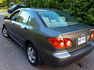 2005 Toyota Corolla CE,5 vit,SUPER PROPRE!!,$2200.( Particulier)