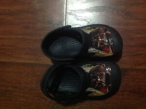 Like NEW Star Wars size 7 shoes