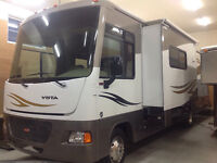 Winnebago Vista 32 K Motorhome bunk model