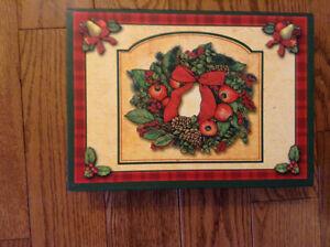 KEEPSAKE CHRISTMAS BOX WITH CLASSIC CARDS