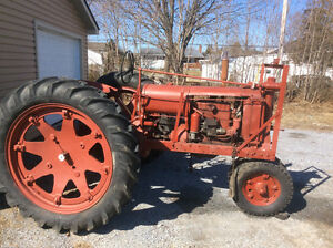1939/38 F14 International 4 cyl gas tractor pto very rare model