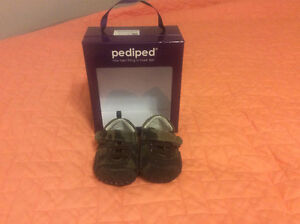 Pediped camo shoes 0-6 months