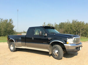 2002 Ford Lariat  F350 Super Cab Dually