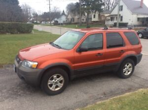 2006 Ford Escape xlt SUV, Crossover 4 x 4 AWD ready for snow