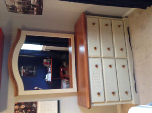 3pc Twin Bedroom Set.