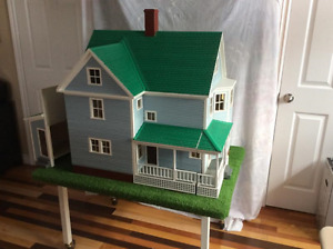 Victorian Style Toyhouse (Playhouse)