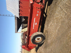 International 530 manure spreader for sale