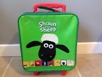 Children's Shaun The Sheep Pull Along Travel Bag Suitcase Holiday Carry Bag