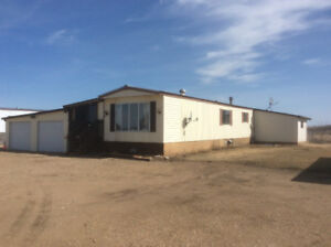 Mobile Homes On 5-Acres For Rent in Vermilion, AB