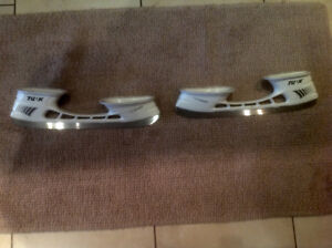 Bauer Light Speed skate blade holders/chassis & blades NEW