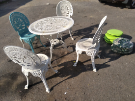 Cast iron vintage garden table and 4 chairs patio set