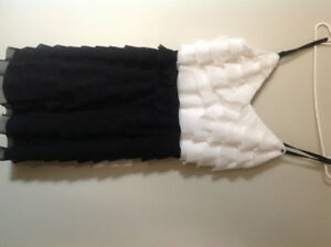 Brand new guess dress black and white ruffle sz8 KELOWNA