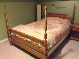 Vilas maple Queen Head board foot board supports and mattress